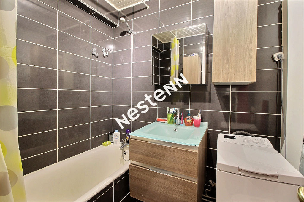 Appartement Courbevoie 3 pièce(s) 66.46 m2