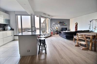 Spacieux T3  96m2 meuble vue sur Seine_Courbevoie