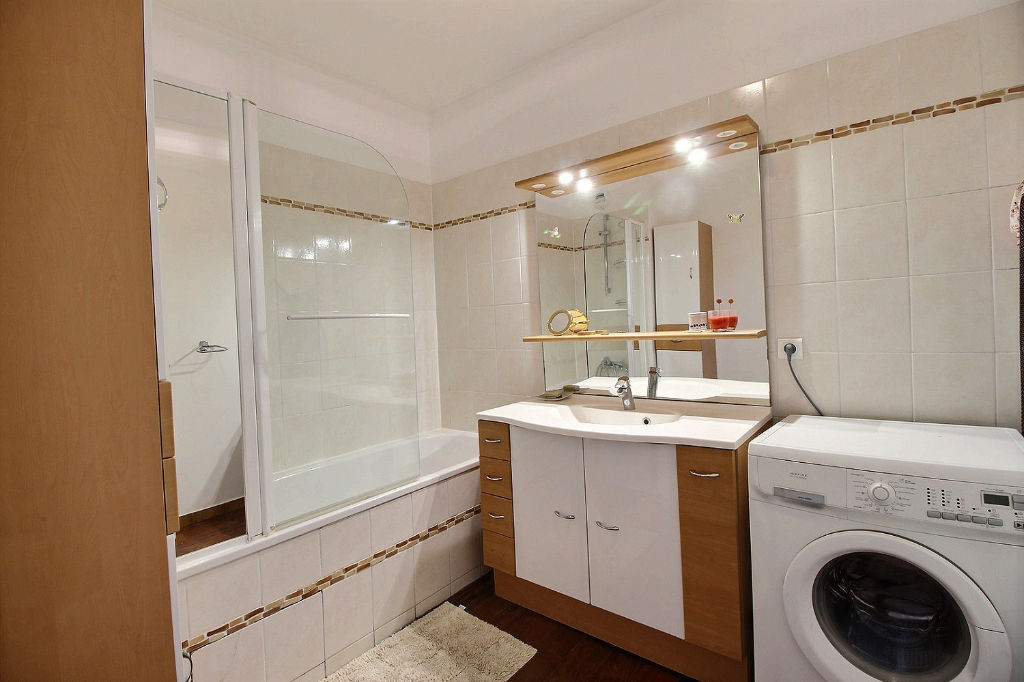 Appartement Courbevoie 3 pièce(s) 73,93 m2