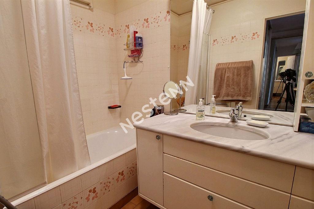 Appartement Courbevoie 3 pièce(s) 72.8 m2