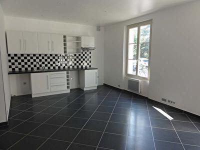 APPARTEMENT COURBEVOIE - 3 pieces- 52,44 m2