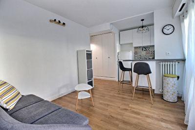 Appartement  meuble Courbevoie 2 pieces 30.18 m2