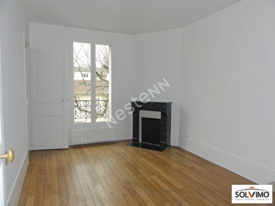 Appartement Courbevoie 3 pieces 49.30 m2