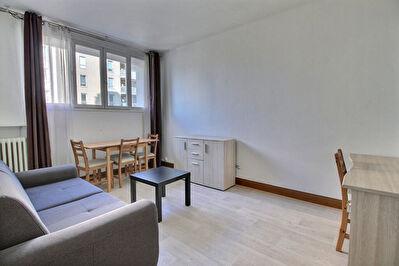 Appartement Courbevoie 2 pieces meuble 31.53m2