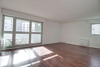 Appartement Courbevoie 3 pieces 72.11 m2