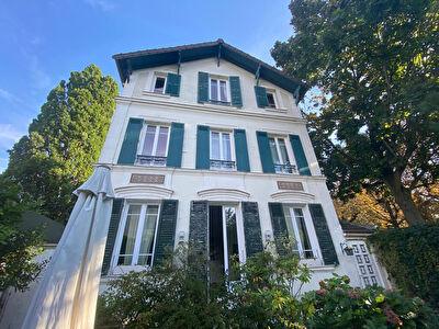 Maison Courbevoie 5 pieces 105 m2