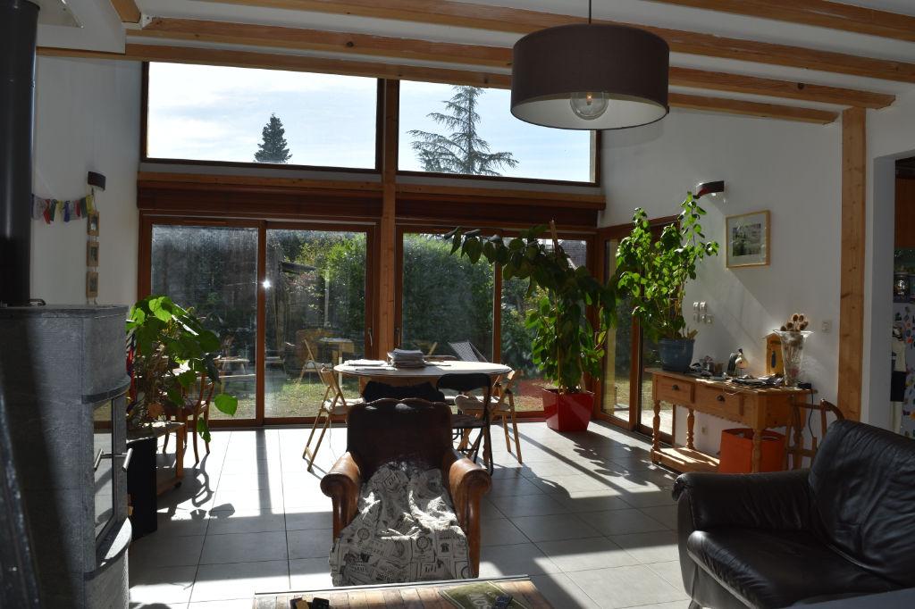 photos n°1 MAISON Contemporaine CREMIEU - 6 pièce(s) - 165 m2 sur terrain de 1000 m²