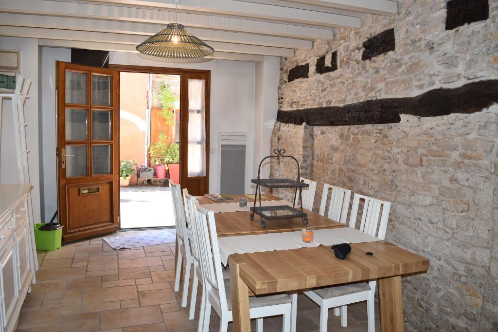 photos n°1 Exclusif : Maison de village de 85 m²  typique du centre de Crémieu