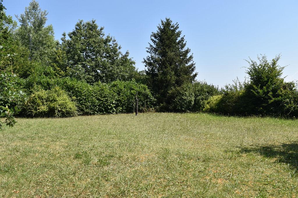 photos n°1 Terrain constructible de 2385 m² à Villette d'Anthon