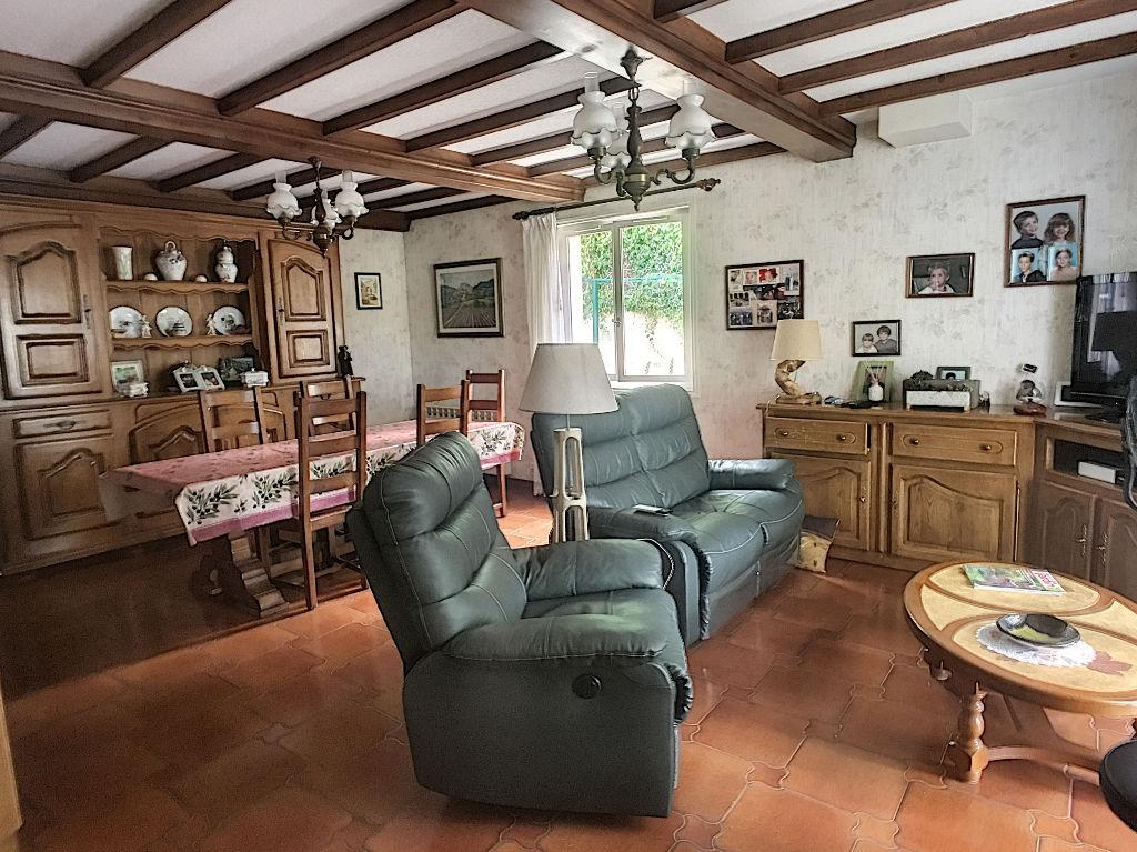 photos n°1 Exclusif : Maison Crémieu 4/5 chambres sur terrain de 725 m²