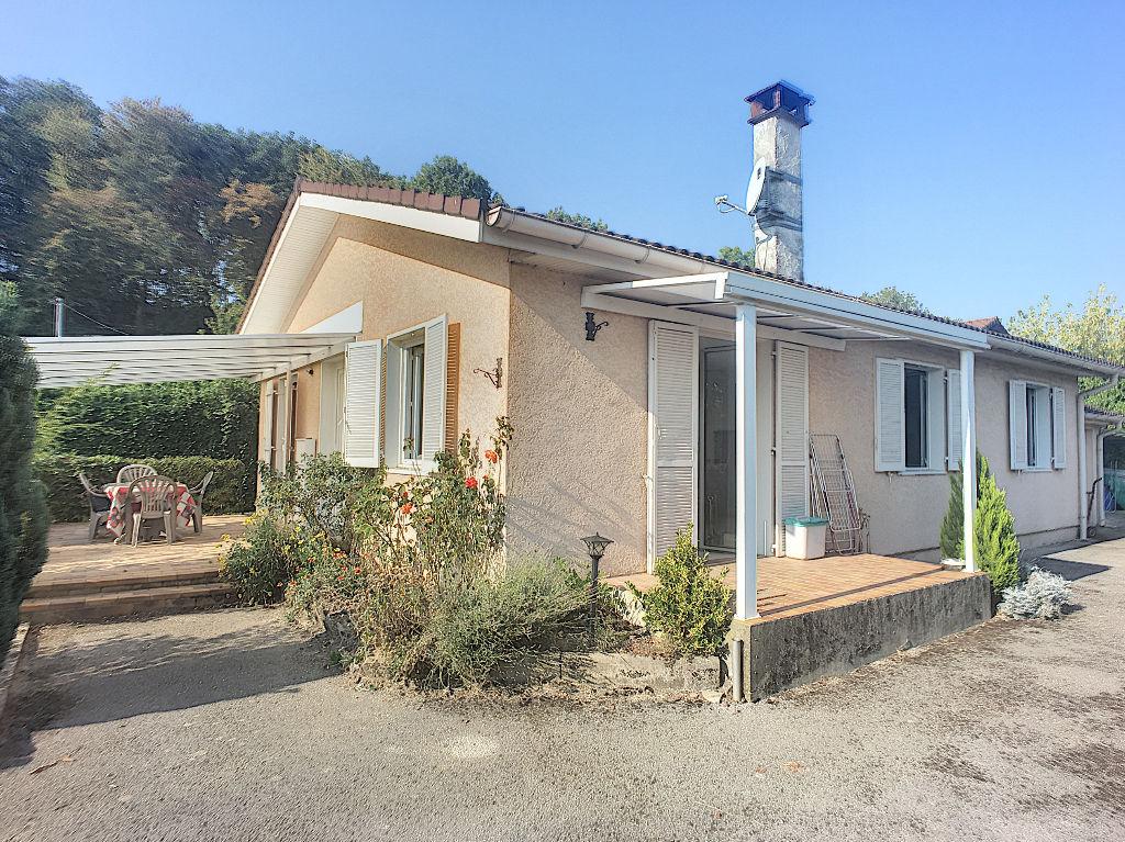 photos n°1 Maison Chavanoz 4 pièce(s) sur terrain de 820 m²