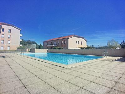 Appartement Villefontaine  - 3 pieces 54 m2 - grande terrasse et piscine