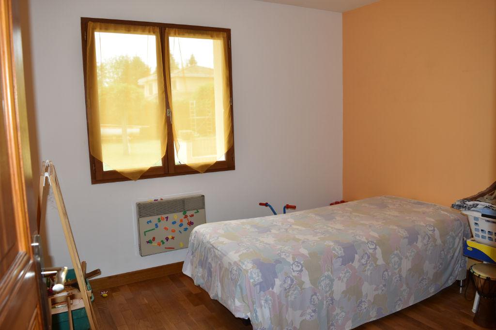 Exclusif : Maison Tignieu  Village sur terrain de plus de 1400 m²