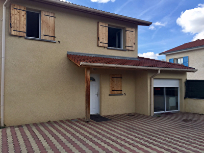 TIGNIEU - Maison 97M2 sur terrain de 800 m2, 2 garages