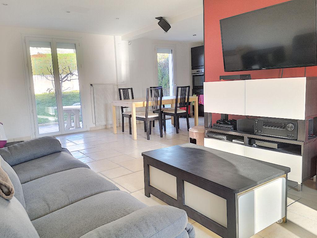 Maison  91 m²  3 chambres et sous-sol sur terrain de 394 m²