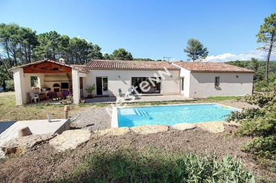FLAYOSC Villa de 156m2 avec piscine sur 4000m2 de terrain