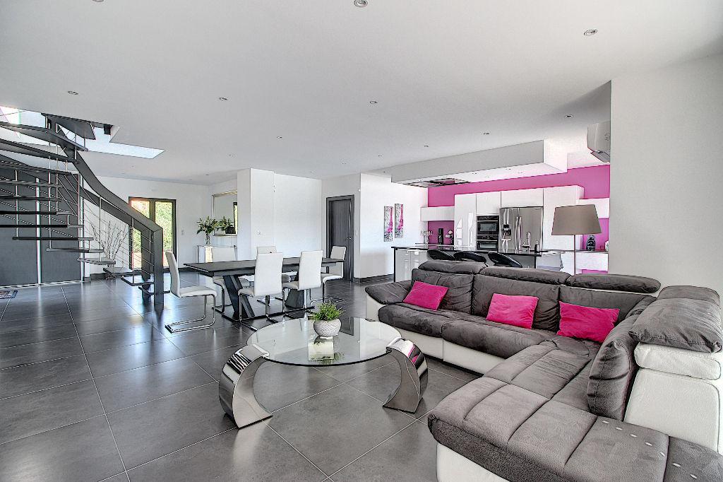 vente maison de luxe 83690 villecroze