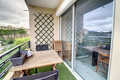 DRAGUIGNAN - Appartement  4 pieces 75 m2 avec Balcon