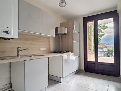 Appartement Echirolles 4 pieces 74.23 m2