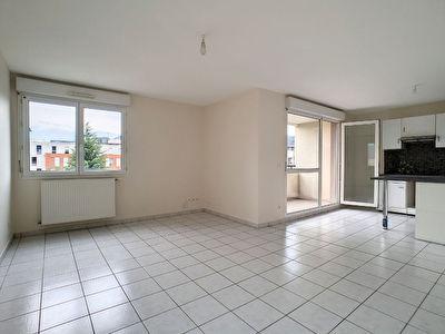 Appartement Echirolles 3 pieces 66,67 m2