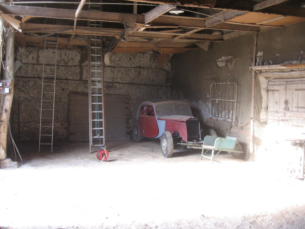 Maison ancienne avec grange proche EPERNON