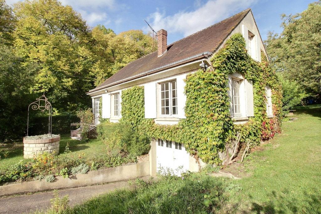 Maison avec sous-sol sur grand terrain à 2 mn de MAINTENON