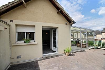 Appartement a Epernon avec veranda, terrasse et jardin