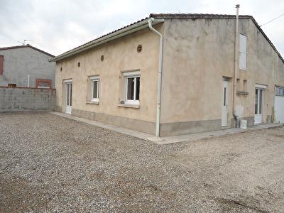 Maison individuelle T4 bis/T5 100m2 quartier Lalande 815 euros cc avec Garage
