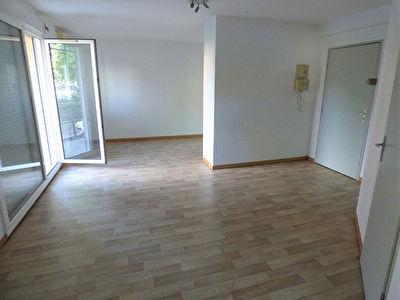 Grand appartement T1 bis de 35m2 centre Blagnac 460 euros cc avec Parking S/Sol