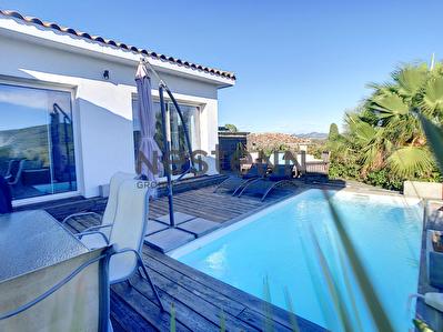 Roquebrune Sur Argens  Maison individuelle avec piscine