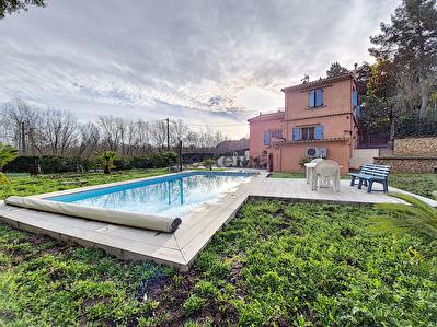 Roquebrune sur Argens, maison T4 individuelle avec piscine