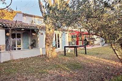 Maison Fuveau 5 pieces 180 m2