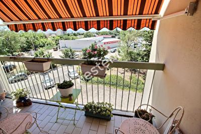Marignane- Appartement de type 3 d'env. 63 m2 + place de parking privatif