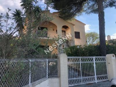 Maison Hyeres 7 pieces 150 m2