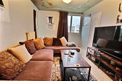 Marignane-Appartement T4 dans residence calme et recherchee avec cave et place de parking