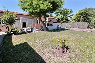 Marignane - Maison  individuelle  de type 4 d'env. 84.2 m2 sur 524 m2 de parcelle + garage