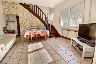 A vendre Maison sur Gandrange 5 pieces, 3 chambres, 2 garages, jardin