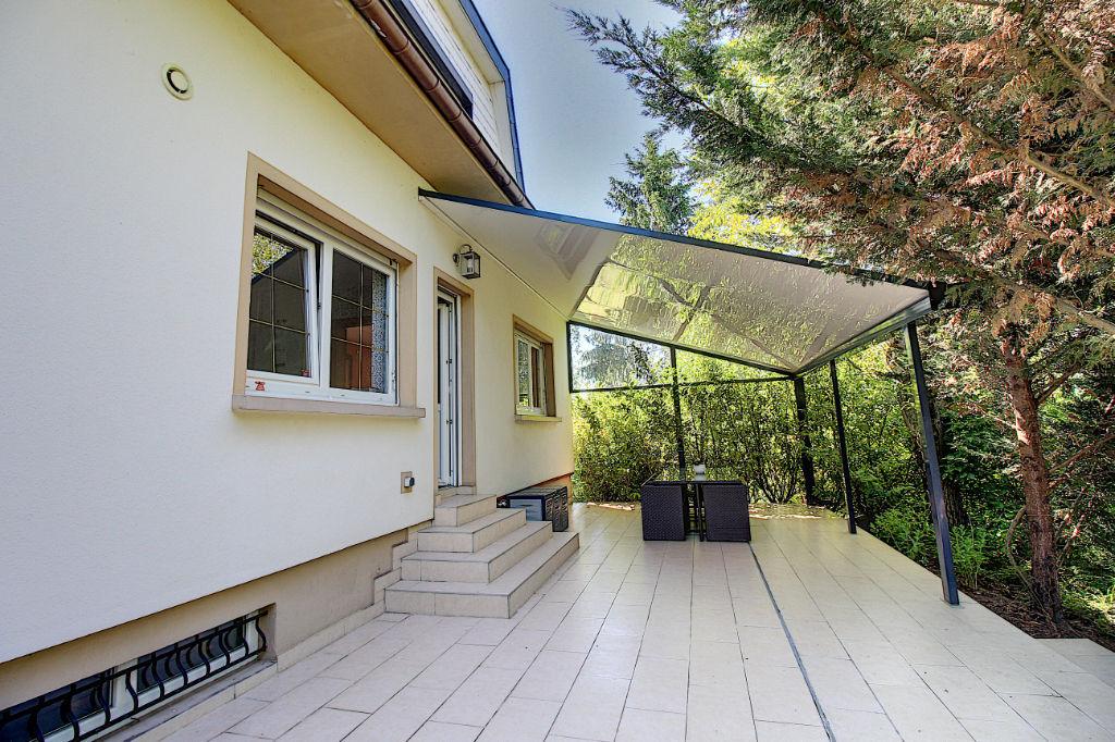 Maison 6 chambres sur 41 ares de terrain à Guénange