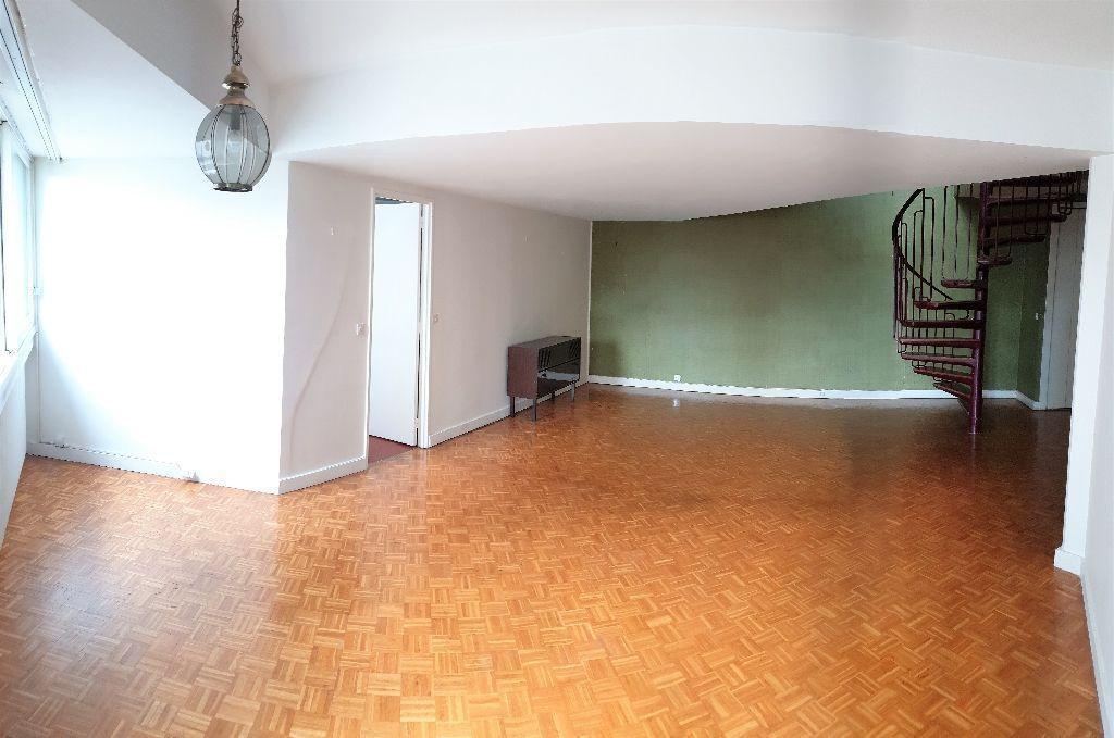 photos n°1 Appartement Ivry Sur Seine 4 pièce(s) 102,61m2