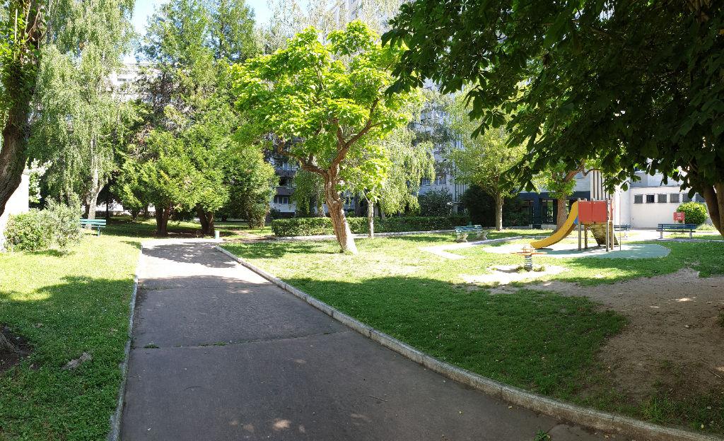 Appartement Ivry Sur Seine 3 pièce(s)