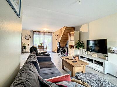 Maison 3 chambres, garage et terrain de 900m2