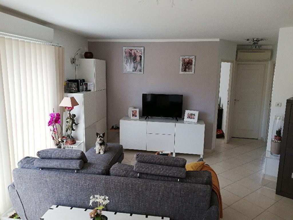 TOIT TERRASSE ! Appartement La Seyne Sur Mer 3 pièce(s) 66 m2