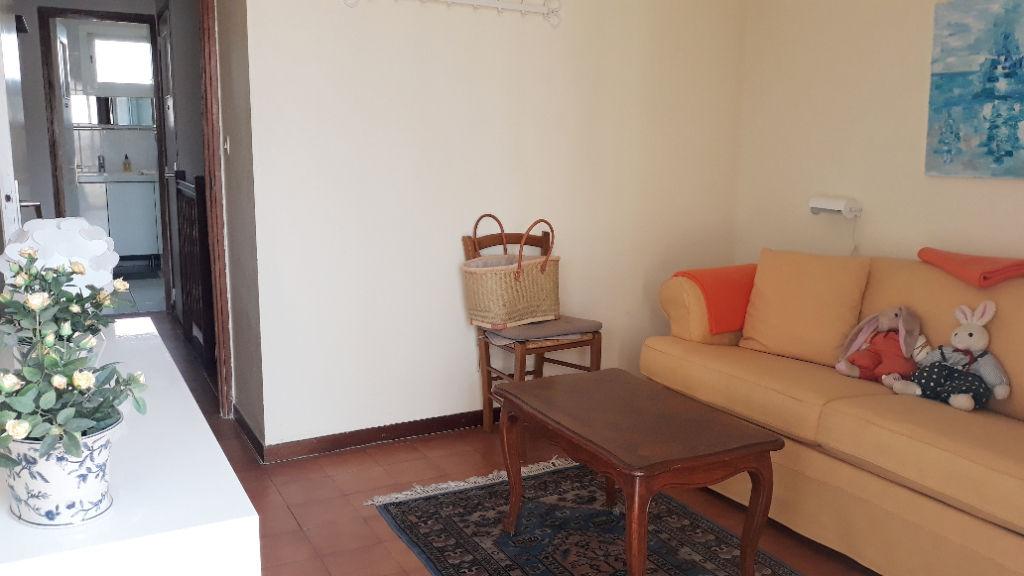 Maison Six Fours les Lones  3 pièce(s) 78 m2  2 terrasses et parking