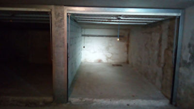 Garage Box centre ville de La Londe Les Maures