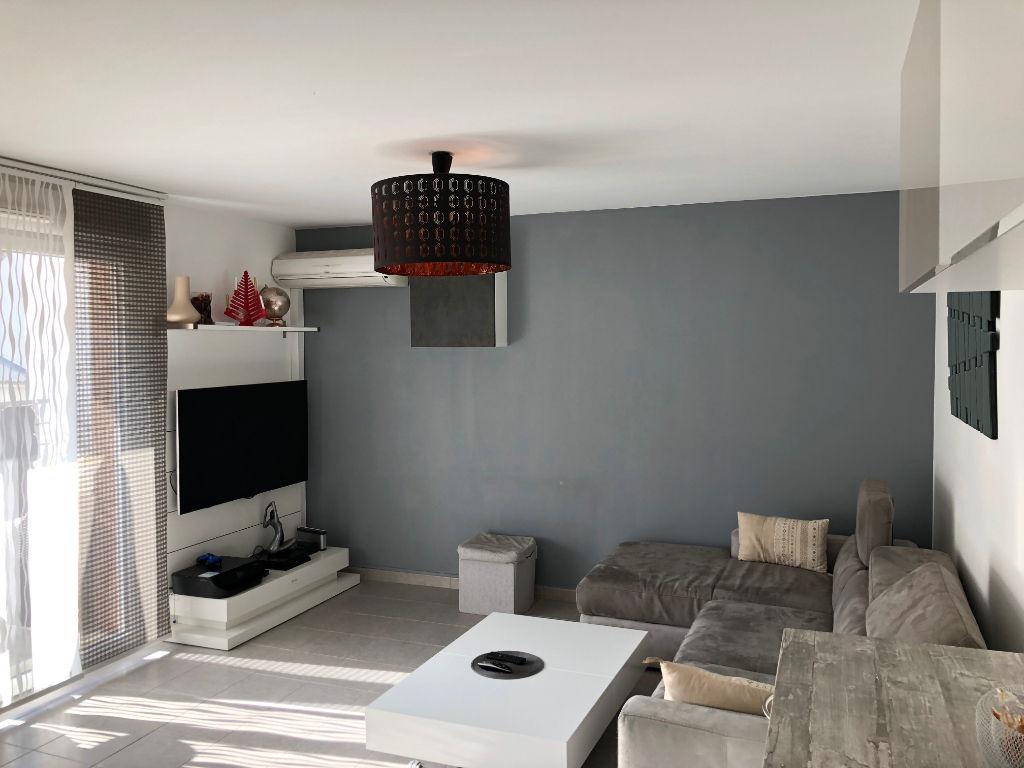 Appartement La Seyne Sur Mer, 3 pièce(s) 60 m² avec terrasse.