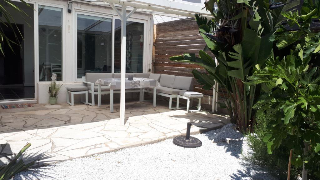 photos n°1 Appartement  rez--de-jardin La Seyne Sur Mer T2 bis 39 m2