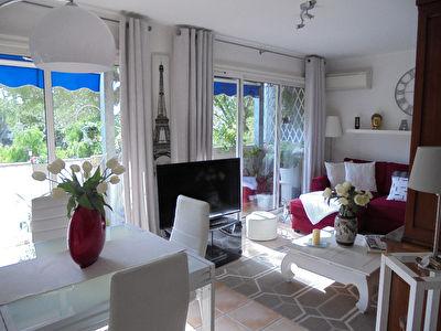 Appartement La Garde 3 pieces 57 m2, residence fermee, parking, cave