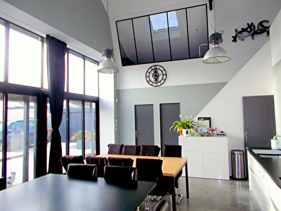 Maison type LOFT - Le Landreau - 9 pieces - 210 m2