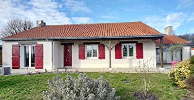 Maison de plain pied - 155m2 - 6 pieces - SAINT JULIEN DE CONCELLES