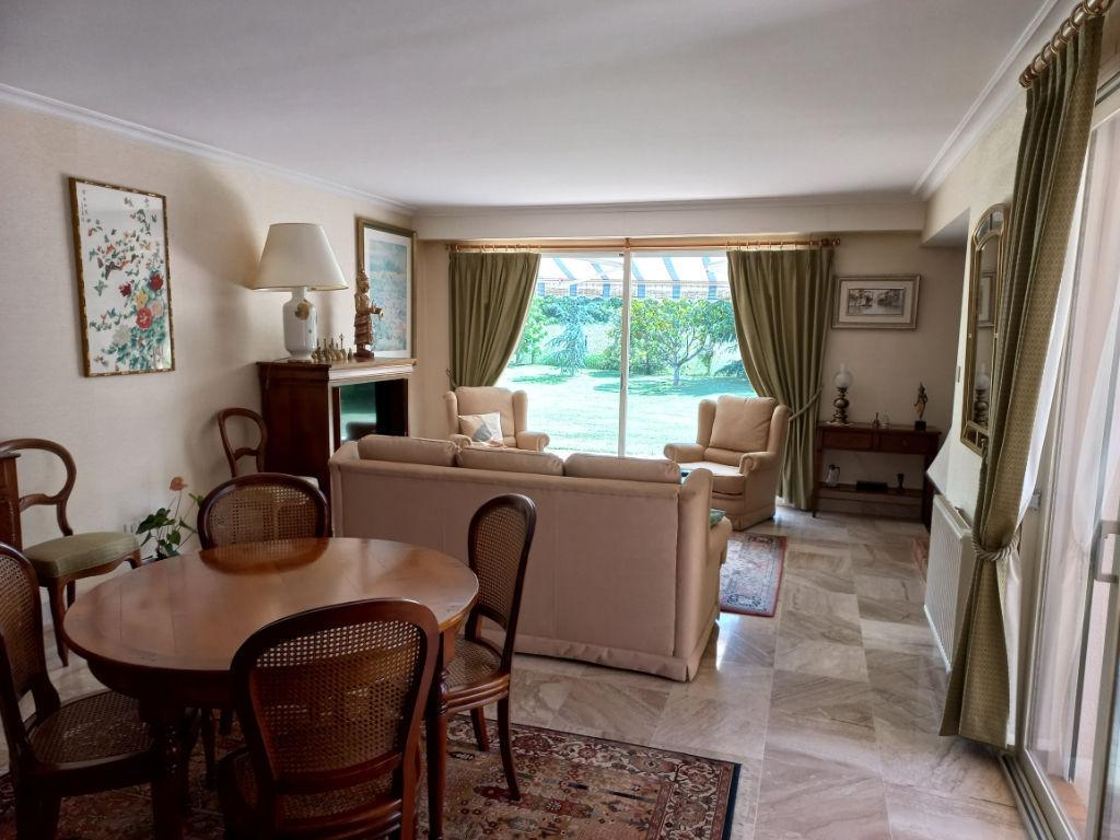 vente maison de luxe 44690 la haie fouassiere